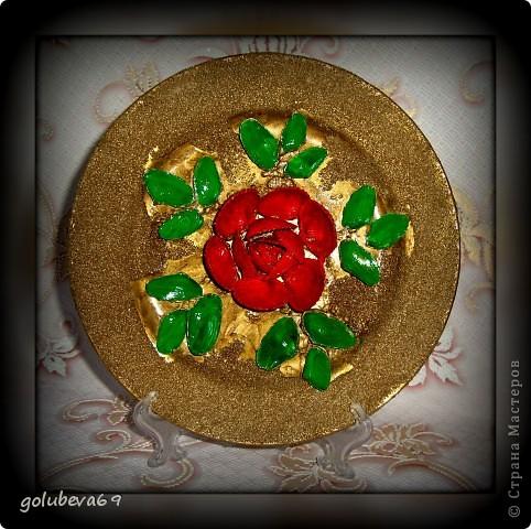 Тарелочка декорированная ракушками. фото 1