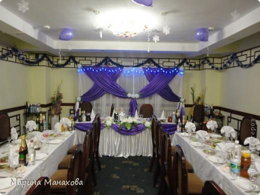 Свадебный сезон у меня начался с большого количества заказов по оформлению залов в бело-фиолетовом и бело-сереневом цветах. Так как все оформление у меня модульное, стоит изменить хотя бы что-то одно и вся композиция уже смотриться совсем по другому. фото 5