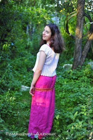 Этим летом я получила в подарок  от одной замечательной женщины очень интересные нитки - клубок вискозной пряжи всех цветов радуги. Их было не так много, и мне пришла в голову идея использовать их таким образом. фото 1