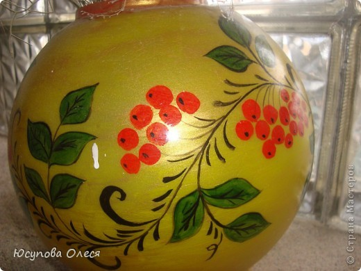 Вот такие вазы мы сделали из старых плафонов. Рисовали акриловыми красками. фото 5