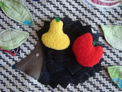 """подушка-игрушка развивающая """"На цветочной полянке"""" фото 2"""