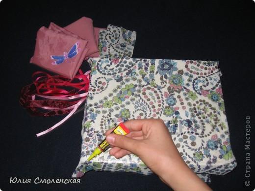 Готовим то, что нам нужно.Коробка,лоскутки ткани,атласные ленты,супер клей,линейка,ножницы,карандаш(ручка). фото 4
