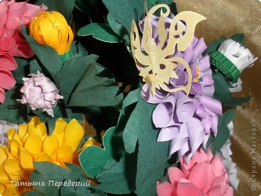 Доброго времени суток, дорогие жители СМ! Продолжаю свою серию цветочных корзинок. Сегодня хочу подарить ВАМ георгины, которые я снова поселила в корзинку от Светланы  http://stranamasterov.ru/node/377437     Георгин - каприз, непостоянство... фото 10