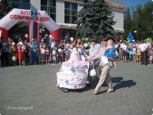 В седьмой раз поводят в нашем городе парад колясок. В первую очередь хочу показать ту коляску, которая мне понравилась больше всего. фото 9