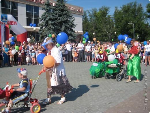 В седьмой раз поводят в нашем городе парад колясок. В первую очередь хочу показать ту коляску, которая мне понравилась больше всего. фото 24