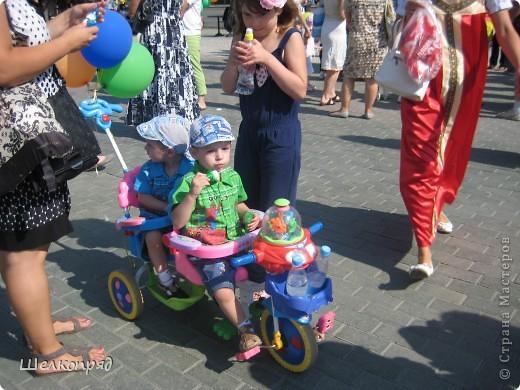 В седьмой раз поводят в нашем городе парад колясок. В первую очередь хочу показать ту коляску, которая мне понравилась больше всего. фото 57