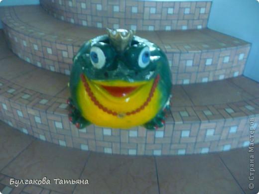 Вот такая получилась жабулька- с маникюром, с бусами... фото 1
