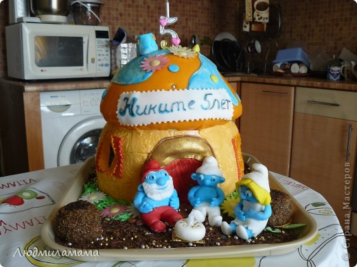 Торт Дом смурфиков . фото 1