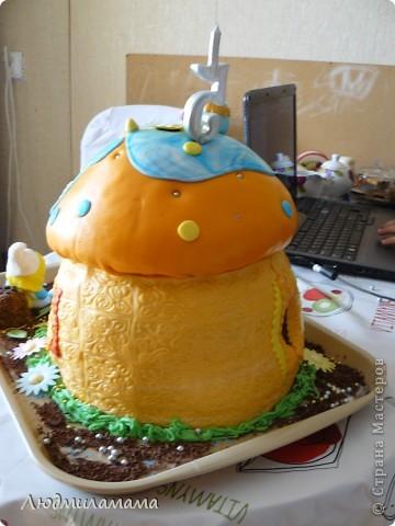 Торт Дом смурфиков . фото 4