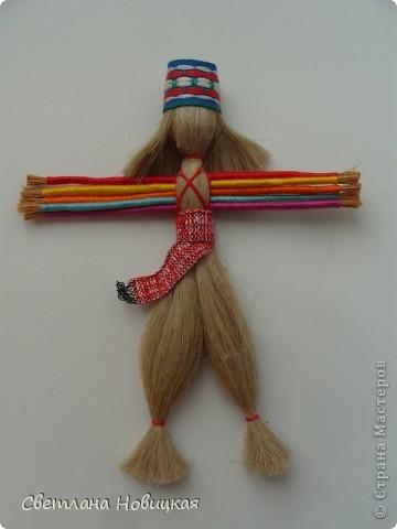 Игрушки из льна.  Если вы ничего не успеваете, у вас не хватает времени осуществить все свои задумки, просто... смастерите куколку. Десятиручка вам обязательно поможет. Эта народная кукла родилась на Руси и пришла из далекой древности. фото 3