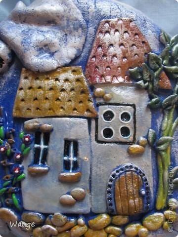 Очень мне нравятся работы Светланы Иванцовой http://stranamasterov.ru/user/65357. Вот вдохновилась ее слонами и решила сповторюшничать. Лепила слона из темно-синего теста, подкрашенного гуашью, для создание формы в качестве основы положила одноразовую тарелку (2 для прочности), после того, как тесто просохло, залила гипсом.   фото 4