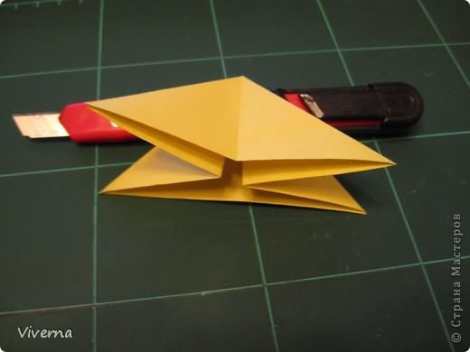 спросили меня в этой работе, как бабочку делала... http://stranamasterov.ru/node/396350  поискала, не нашла в СМ, чтобы ссылку дать..может искала не так....сама я ее научилась делать еще на заре увлечения оригами, лет 10 назад, в какой-то детской книжке...а т.к. складывается бабочка до невозможного просто, то сделав ее один раз, Вы уже никогда не забудете, как ее сделать )) фото 2