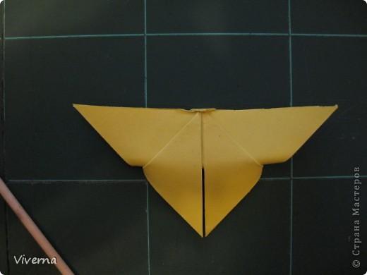 спросили меня в этой работе, как бабочку делала... http://stranamasterov.ru/node/396350  поискала, не нашла в СМ, чтобы ссылку дать..может искала не так....сама я ее научилась делать еще на заре увлечения оригами, лет 10 назад, в какой-то детской книжке...а т.к. складывается бабочка до невозможного просто, то сделав ее один раз, Вы уже никогда не забудете, как ее сделать )) фото 6