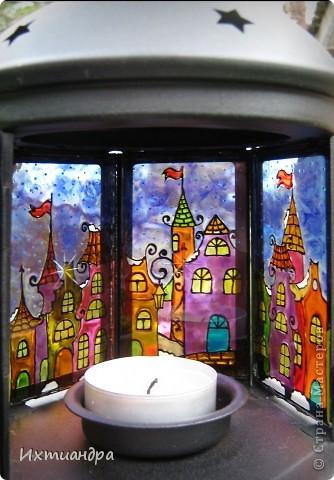 Давно мечтала о подобном фонарике, и, когда увидела его в Ikea, не могла пройти мимо! Из трёх цветов, представленных в магазине (были ещё белый, серебряный), выбрала классический чёрный. Для росписи использовала сюжет сказочного старинного города. фото 6