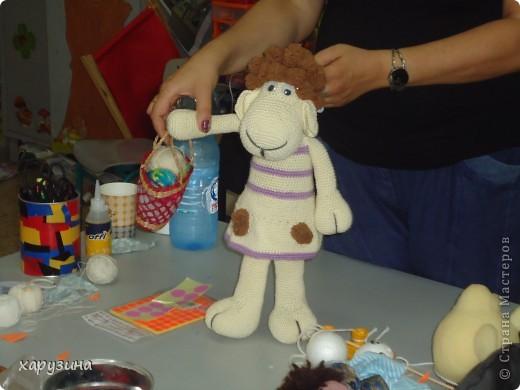Пятиклассник Маор демонстрирует изготовленную им птицу-марионетку. фото 4