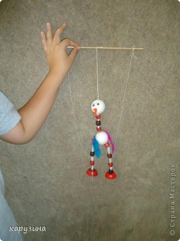 Пятиклассник Маор демонстрирует изготовленную им птицу-марионетку. фото 20