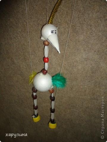 Пятиклассник Маор демонстрирует изготовленную им птицу-марионетку. фото 36
