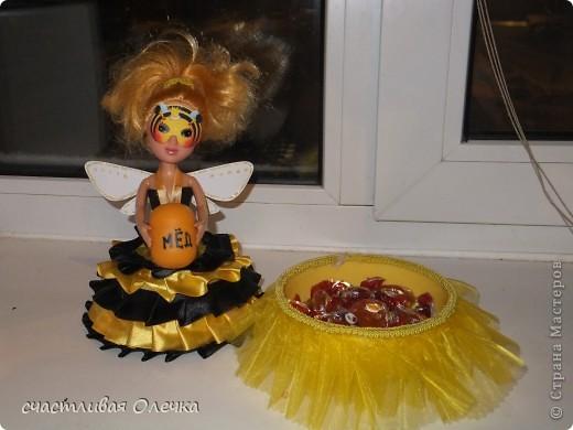 Шкатулка из фарфоровой куклы. Хранительница бижу и дамских заколочек. Или конфетница. Все дело в объеме. Использовала для полости 2 емкости по 2 литра! фото 2