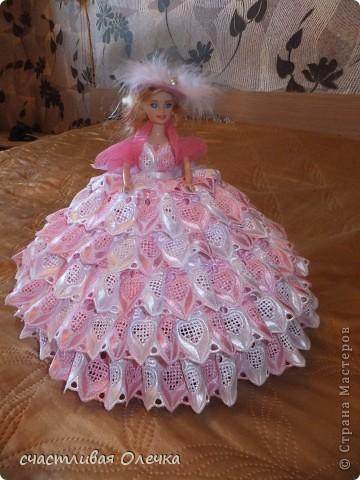 Шкатулка из фарфоровой куклы. Хранительница бижу и дамских заколочек. Или конфетница. Все дело в объеме. Использовала для полости 2 емкости по 2 литра! фото 3