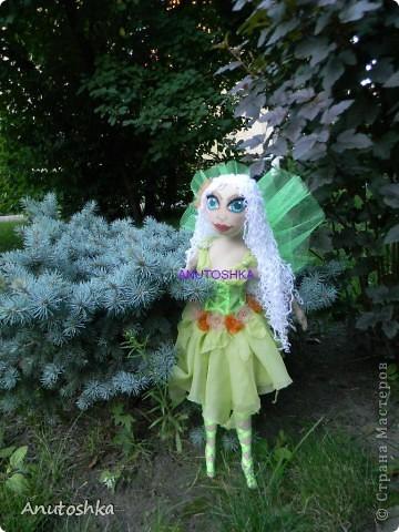 Это моя первая текстильная шарнирная кукла.Зовут ее Фиетта.Она лесная нимфа.Но живет в городе)))) фото 1