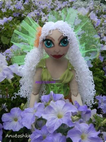 Это моя первая текстильная шарнирная кукла.Зовут ее Фиетта.Она лесная нимфа.Но живет в городе)))) фото 5