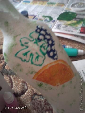 спасибо большое за мк (http://stranamasterov.ru/node/395509?c=favorite) Пользователю http://stranamasterov.ru/user/134198 (Devochki) Перед вами моя самая первая бутылка. Для её изготовления мне понадобилось -2 вида акриловых красок -салфетки бумажные -бутылка -витражные краски и контуры -клей  ПВА фото 4