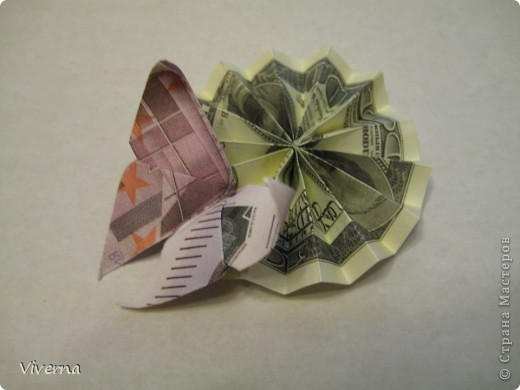 спросили меня в этой работе, как бабочку делала... http://stranamasterov.ru/node/396350  поискала, не нашла в СМ, чтобы ссылку дать..может искала не так....сама я ее научилась делать еще на заре увлечения оригами, лет 10 назад, в какой-то детской книжке...а т.к. складывается бабочка до невозможного просто, то сделав ее один раз, Вы уже никогда не забудете, как ее сделать )) фото 10