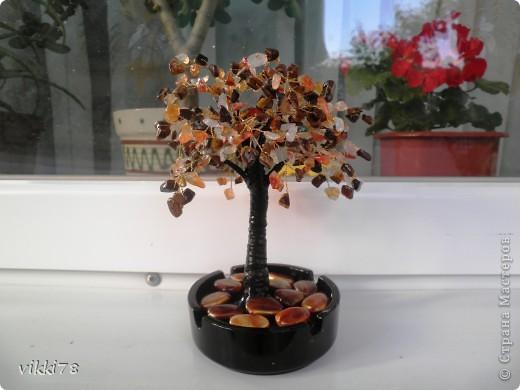 очень хотелось сделать деревце из камешков.вот результат. фото 2