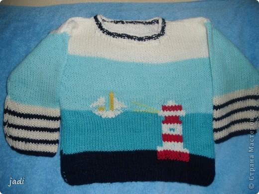 Для прохладных вечеров в августе свитерок для младшенького.
