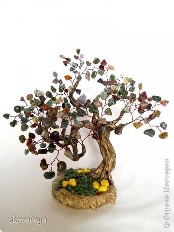 Доброго всем дня! Представляю вот такое деревце из небольшого количества камушков и бисера, получилось что-то типа куста в сумеречных тонах. фото 3