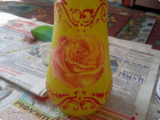 Вот она, моя работа :) Для декорирования этого кувшина мне понадобилось: -кувшин -салфетки -витражные контуры -клей ПВА -акриловая краска -и немного терпения :) фото 8