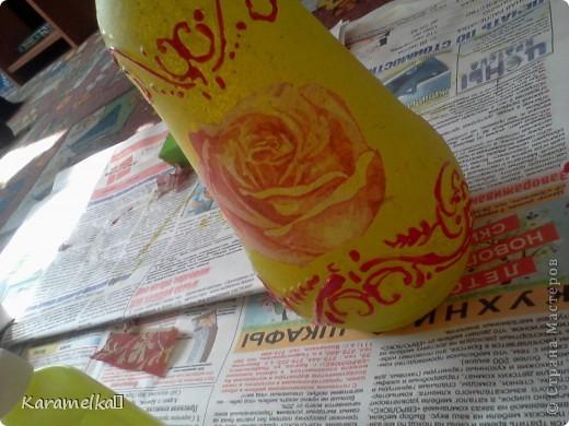 Вот она, моя работа :) Для декорирования этого кувшина мне понадобилось: -кувшин -салфетки -витражные контуры -клей ПВА -акриловая краска -и немного терпения :) фото 9