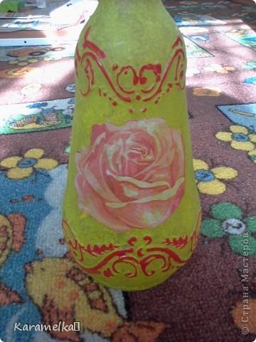 Вот она, моя работа :) Для декорирования этого кувшина мне понадобилось: -кувшин -салфетки -витражные контуры -клей ПВА -акриловая краска -и немного терпения :) фото 13