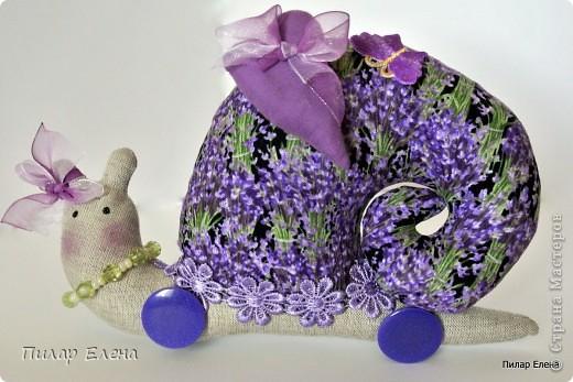 Улитка в багряных тонах, шилась в подарок, подобрана в цвет интерьера фото 3