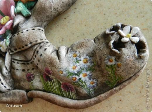 Здравствуйте Дорогие Мастерицы!!! У замечательной мастерицы Юлиа увидела цветущий башмак, восторгу не было предела, ну так он мне понравился, не удержалась и себе слепила. Вот ссылка на её работу http://stranamasterov.ru/node/335848, а ещё там цветущий зонтик, колодец...всё цветёт, прелесть! Спасибо, Юлечка за вдохновение!!! Эти маленькие панно сделала для балкона. фото 2