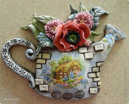 Здравствуйте Дорогие Мастерицы!!! У замечательной мастерицы Юлиа увидела цветущий башмак, восторгу не было предела, ну так он мне понравился, не удержалась и себе слепила. Вот ссылка на её работу http://stranamasterov.ru/node/335848, а ещё там цветущий зонтик, колодец...всё цветёт, прелесть! Спасибо, Юлечка за вдохновение!!! Эти маленькие панно сделала для балкона. фото 5