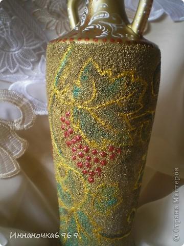 Вот еще одна ваза из бутылки. Основа покрыта манкой. фото 2