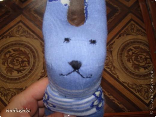 Вот и я добралась до игрушек из носочков )) Мой первый заяц.  фото 3
