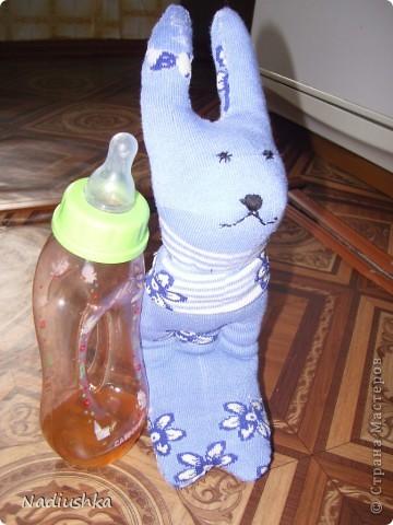 Вот и я добралась до игрушек из носочков )) Мой первый заяц.  фото 4