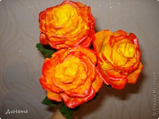 """Я опять к вам с розами,продолжаю уже не просто лепить,а еще потом и """"разукрашивать"""" цветы,процесс очень нравится фото 3"""