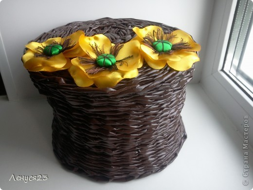 Плетёнка с желтыми маками фото 1