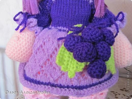 Дорогие гости блога, хочу вам показать куколку, которую только - только связала. Это Виноградинка. Прошу любить и жаловать. фото 5