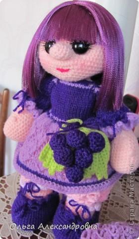 Дорогие гости блога, хочу вам показать куколку, которую только - только связала. Это Виноградинка. Прошу любить и жаловать. фото 8