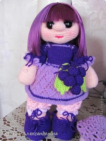 Дорогие гости блога, хочу вам показать куколку, которую только - только связала. Это Виноградинка. Прошу любить и жаловать. фото 10