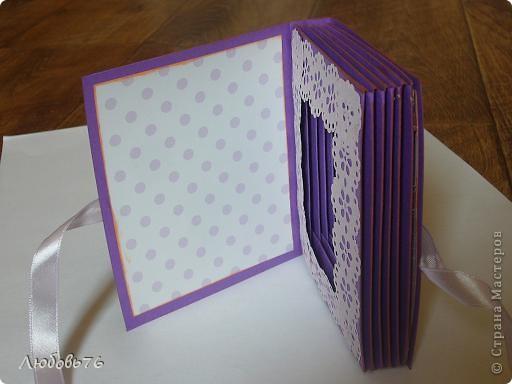 Неделю(не меньше) заглядывалась моя матрешка на коробочку Альбины http://stranamasterov.ru/node/395376, перебирала все свои запасы бумажечек, ленточек, бусинок,цветочков, после два дня стараний и вот результат фото 3