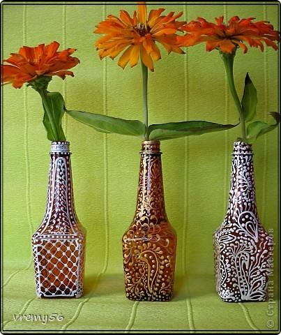 Иногда хомяк меня побеждает :))) и вот что получилось.. вазочки из бутылочек соевого соуса. Расписаны контурами декола.  фото 1