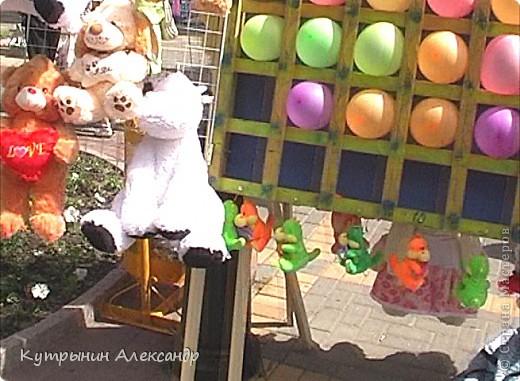Радужные флаги на всех улицах Чебоксар. Праздник в Чувашии носит поистине вселенский характер. Всё вокруг дышит воздухом праздника. И везде летают праздничные флюиды. Чувствуете? фото 46
