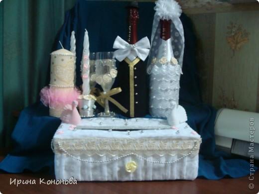 А это свадебный набор, который сделала впервые .Еще раз прошу прощения за качество фотографии.Но очень не терпелось выставить на Ваше мнения.