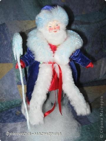 Расскажу я вам , дорогие мои - сказку новогоднюю, морозную, волшебную! Жила-была на свете бабулечка одна, да не простая бабулечка, госпожой Метелицей звалась, сугробы зимой наметала, реки льдом сковывала, холод в гости приглашала! фото 2