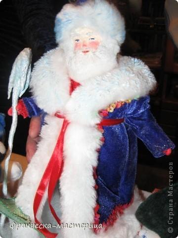 Расскажу я вам , дорогие мои - сказку новогоднюю, морозную, волшебную! Жила-была на свете бабулечка одна, да не простая бабулечка, госпожой Метелицей звалась, сугробы зимой наметала, реки льдом сковывала, холод в гости приглашала! фото 3